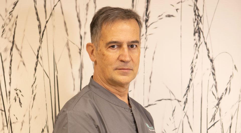 Dentista en Santander Dr. José Antonio Martin-Riva Porrúa